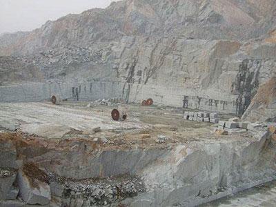 雅蒙黑矿山展示